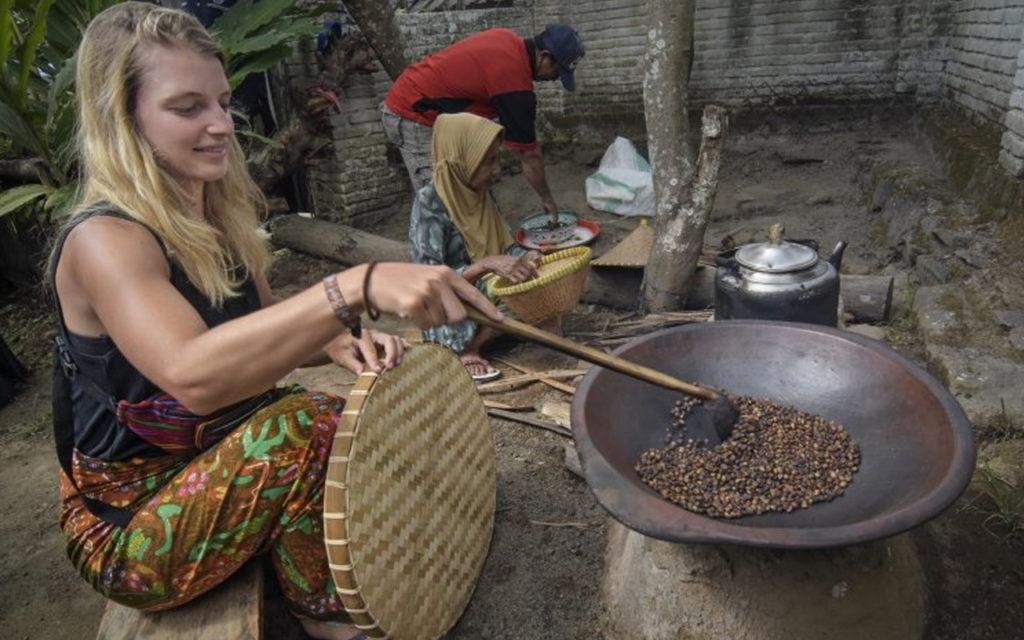Peluncuran Buku Tentang Lombok