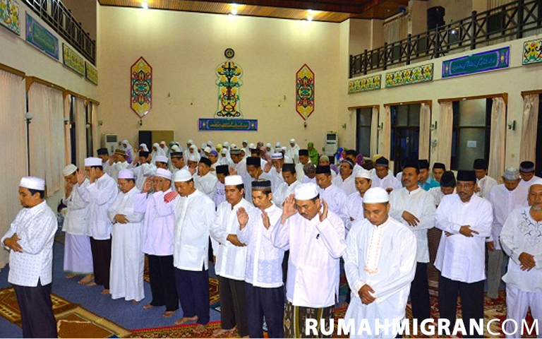 This image has an empty alt attribute; its file name is Hukum-Shalat-Jumat-Saat-Wabah-1.jpg